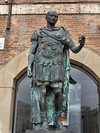 Estatua de Julio Cesar
